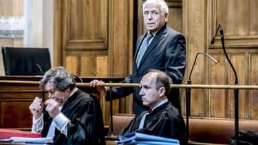 Christian Iacono (debout) et son avocat à la Cour d'Assises de Lyon le 16 mars 2015