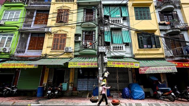 """Des maisons tubes ou """"nha ong"""" à Hanoï au Vietnam"""