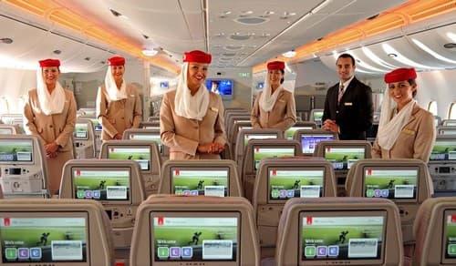 Les passagers de la classe éco bénéficient d'écrans plats individuels de grande dimension.