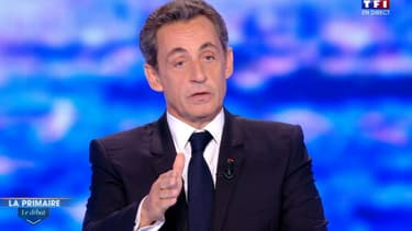 """Nicolas Sarkozy ne veut pas augmenter la TVA """"car François Hollande l'a fait"""""""