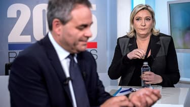 Xavier Bertrand et Marine Le Pen sur un plateau de télévision le 3 décembre.