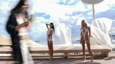 Deux hôtesses pour un événement privé à Cannes