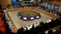 Les pays du G20 réunis à Paris tentaient samedi de parvenir in extremis à un accord sur les indicateurs permettant de mesurer les déséquilibres économiques mondiaux, les discussions butant sur la résistance de la Chine. /Photo prise le 19 février 2011/Reu