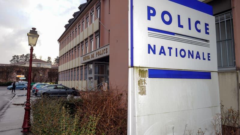 Belfort: un jeune homme de 18 ans dépose plainte après avoir été agressé parce qu'il fêtait Noël