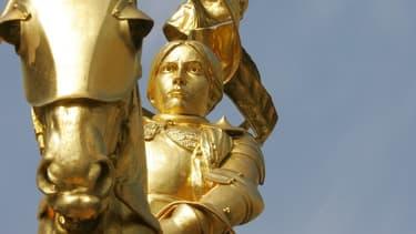 La statue de Jeanne-d'Arc , à Paris.