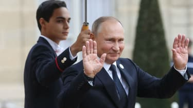 Vladimir Poutine assiste à Paris aux commémorations de l'armistice du 11 novembre 1918