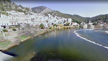 Roquebrun (Var) sur Google streetview.