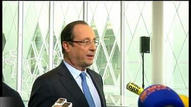 François Hollande réagit à l'annonce de la démission de Benoît XVI à Pierrefitte-sur-Seine le 11 février 2013.