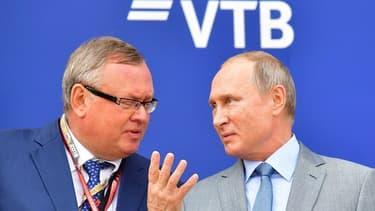Le patron de la banque russe VTB, Andrei Kostin, en compagnie du président de la République Vladimir Poutine.