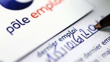 Le chef du gouvernement, Manuel Valls, met en garde sur les chiffres du chômage à paraître mercredi 24 décembre.
