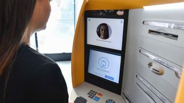 A Barcelone, 20 terminaux ATM de CaixaBank sont équipés d'une technologie de reconnaissance faciale.