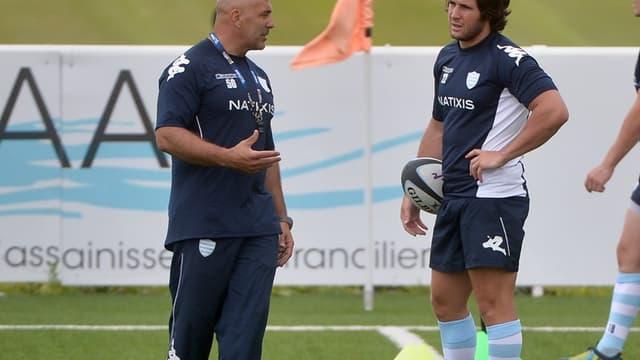 Laurent Travers, le co-entraîneur du Racing, et Maxime Machenaud, le demi de mêlée