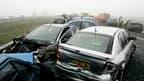 Selon les ministères de l'Ecologie et de l'Intérieur, le nombre d'accidents sur les routes de France a baissé de 15% en février par rapport à la même période l'an passé. Le mois dernier, 255 personnes ont perdu la vie sur la route, contre 300 en février 2