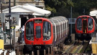 La police enquête après un attentat à la station de métro Parsons Green, à Londres, le 15 septembre 2017.