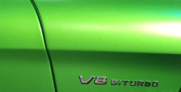 Cette peinture verte rend hommage à la boucle nord du Nürburgring.