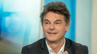 Fabien Roussel lors d'un débat télévisé, le 2 décembre 2015