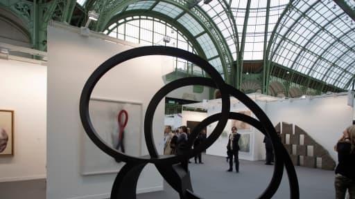 Du 24 au 27 octobre, le Grand Palais accueille les oeuvres d'artistes contemporains, ici celle du scuplteur Nigel Hall  en 2012.