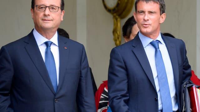 François Hollande et Manuel Valls sur le perron de l'Elysée