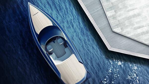 Aston Martin a dévoilé un prototype de yacht dans le cadre de la Milan Design Week.