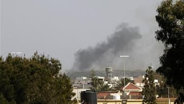 A Tripoli, après un raid aérien de l'Otan, en avril. L'intervention militaire internationale voulue par la France contre les forces fidèles à Mouammar Kadhafi en Libye recueille l'adhésion de 55% des Français, selon un sondage Ifop à paraître dans Dimanch