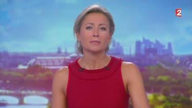 Anne-Sophie Lapix présentant son premier JT sur France 2, le 4 septembre 2017.