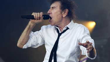 Le chanteur Alain Souchon aux Vieilles Charrues en juillet 2016.