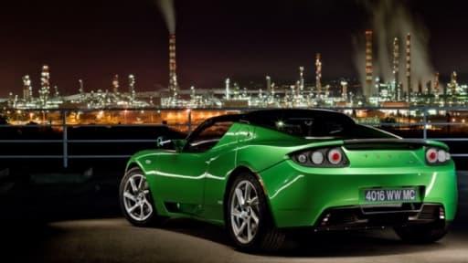Le Roadster de Tesla, comme l'autre modèle électrique de la marque, la Model S, sont vendues près de 100.000 euros l'unité.
