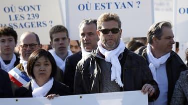 Les proches des quatre victimes françaises ont défilé dimanche à Paris pour réclamer que la vérité éclate.