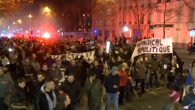 Manifestation de policiers à Paris le 13 décembre 2016.
