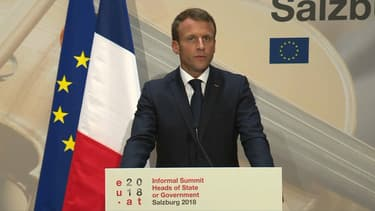 Emmanuel Macron au sommet européen de Salzbourg.