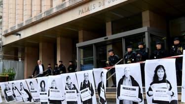 L'extérieur du tribunal de Gap lors du procès d'un groupe de militants, le 31 mai 2018