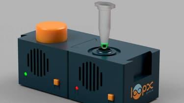 Ce petit boitier est capable d'analyser un prélèvement nasal en 40 mn. Il a été mis au point par une start up normande