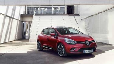 La Renault Clio fait partie des voitures les plus vendues en LOA (la location avec option d'achat).