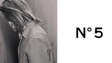 Brad Pitt égérie du N°5 de Chanel