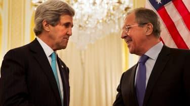 John Kerry et Sergueil Lavrov se sont rencontrés à Paris le 30 mars 2014.
