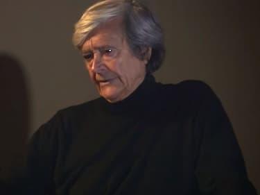 """L'acteur de doublage Bernard Tiphaine, dans le court-métrage """"On s'est fait doubler"""", en 2017."""