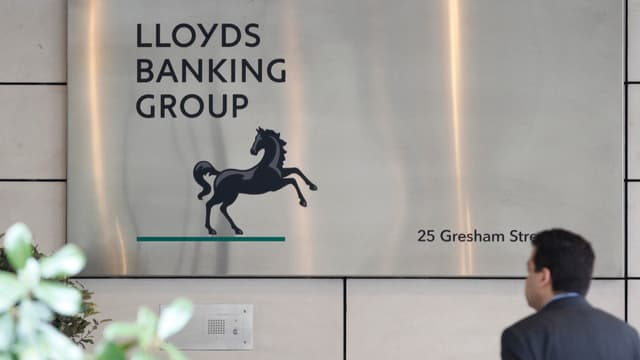 Lloyds Banking Group a racheté HBOS en 2008.