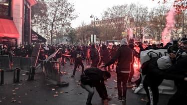 Affrontements entre des manifestants et les forces de l'ordre samedi à Paris.