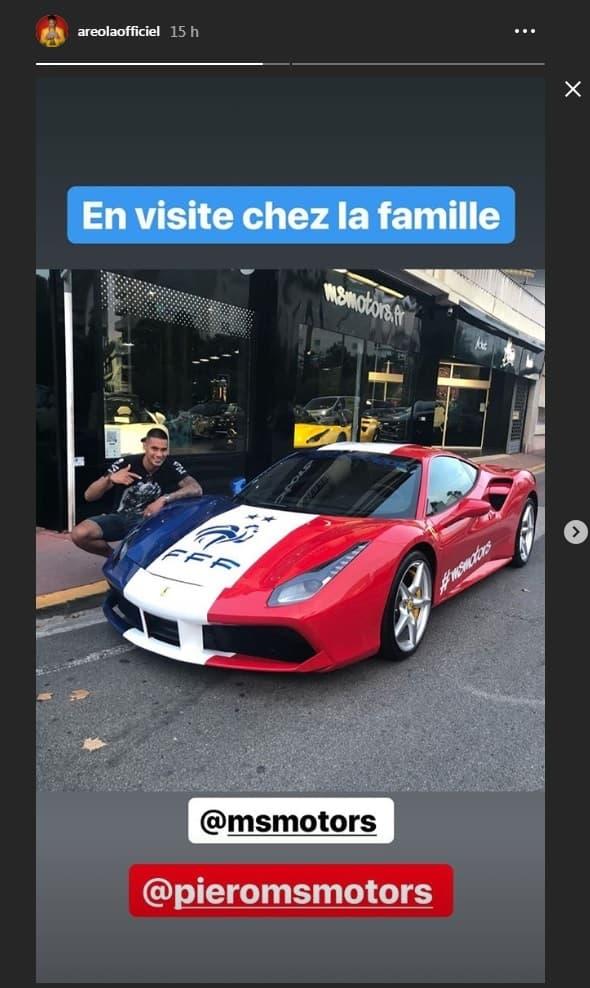 Alphonse Areola pose à côté d'une Ferrari très spéciale