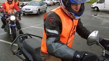"""""""La doctrine est que les motos et les poids lourds repartent avant les voitures aussi bien pour la formation que pour les examens"""", annonce Patrice Bessone (CNPA)"""