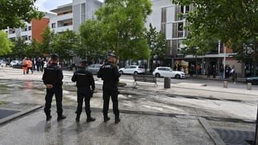 Des officiers de police le 16 juin 2020 à Dijon.