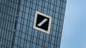 La Deutsche Bank commence à concentrer des inquiétudes fortes de la part des marchés, qui la voient contrainte à l'augmentation de capital, où... à un plan de sauvetage d'Etat.