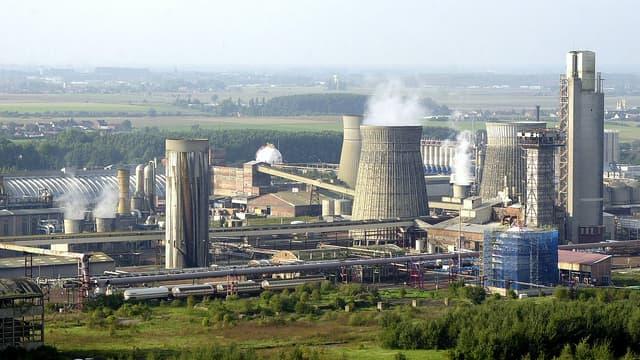 """L'usine de """"La grande paroisse"""" (groupe Total) à Mazingarbe, classée Seveso. (image d'illustration)"""