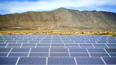 Un champ de panneaux solaires dans le Nevada, aux Etats-Unis