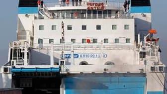 Les CRS ont délogé tôt ce jeudi matin les marins CGT de la SNCM qui bloquaient les accès au port de Marseille depuis deux jours.
