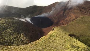 Le principal volcan de l'île caribéenne de Saint-Vincent entre en éruption