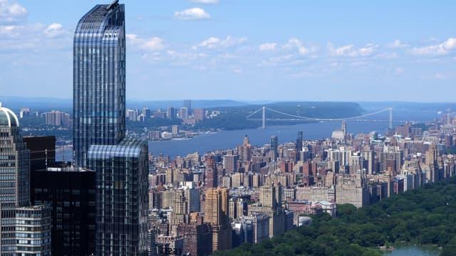 Ce duplex d'environ 1000 m² offre une vue à couper le souffle sur Manhattan.