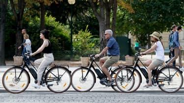 Des parkings à vélos de grande capacité vont voir le jour près des gares à Paris.