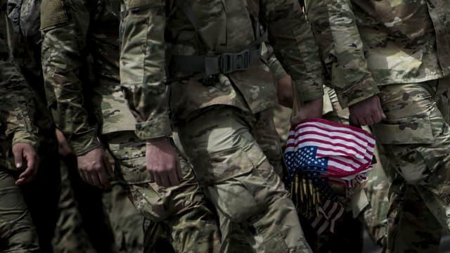 Des soldats américains lors d'une cérémonie en mai 2017 au cimetière national d'Arlington, en Virginie (photo d'illustration)