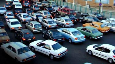 Les rues de la capitale de l'Iran, Téhéran, sont régulièrement embouteillées.